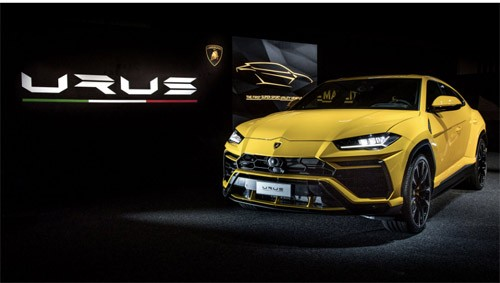 Lamborghini Urus UK Debuts in London