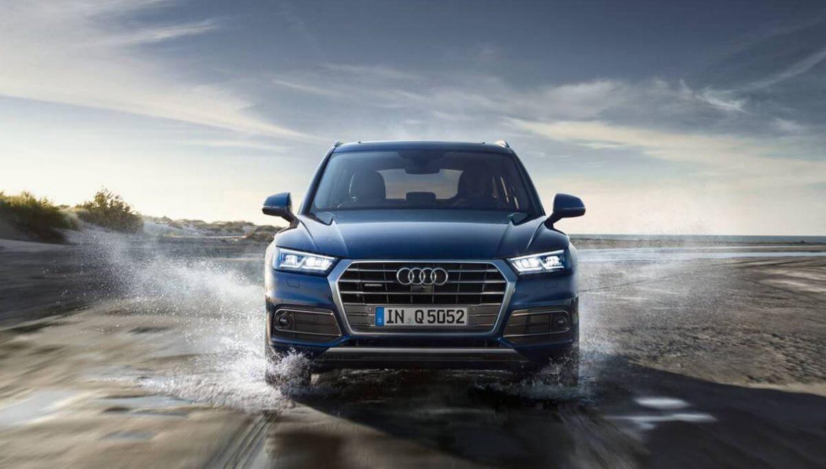 "The Audi Q5 wins the ""Golden Steering Wheel"" award"