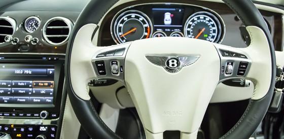 bentley flysing spur steering wheel