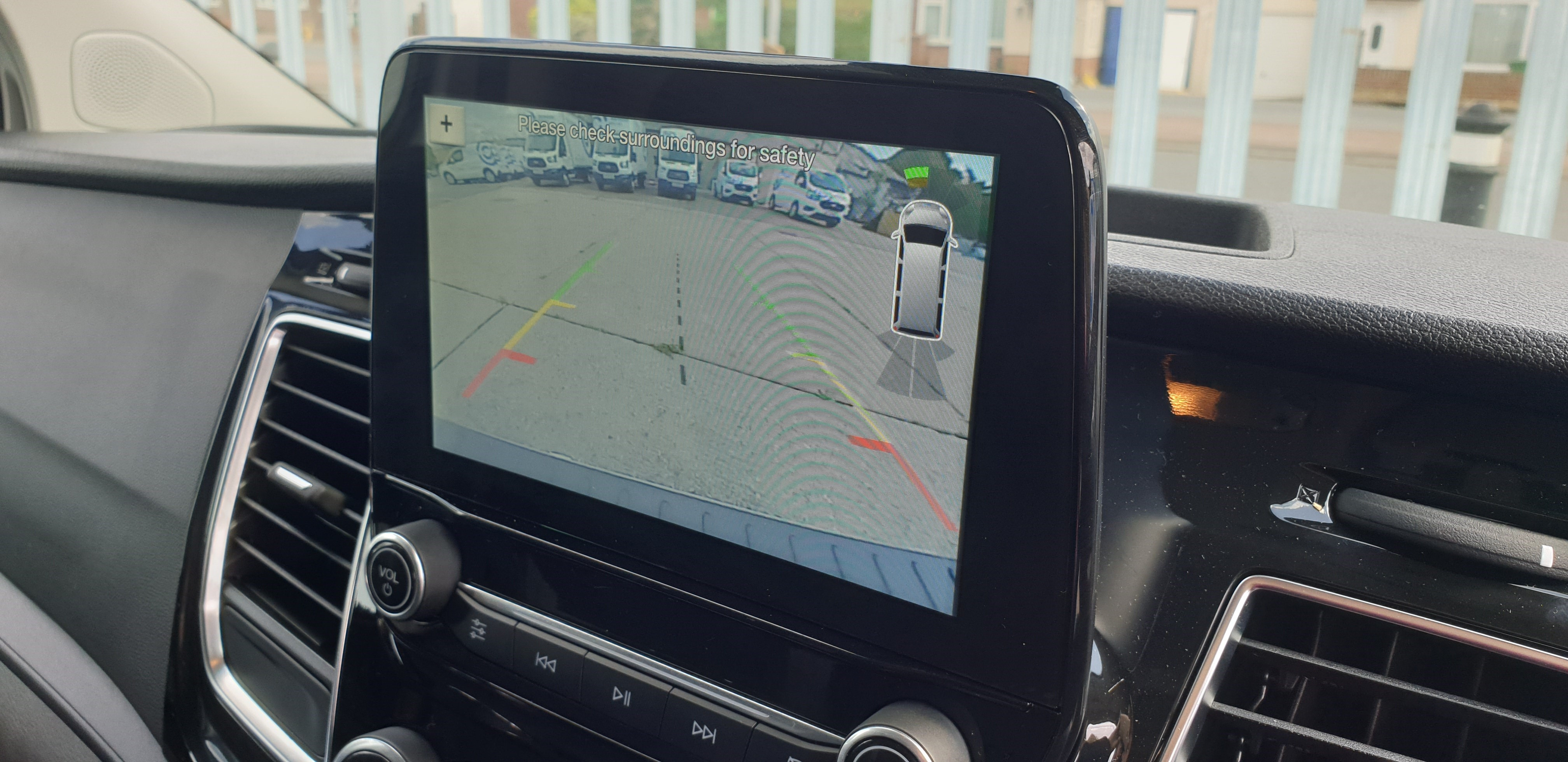 Rental vans with Reversing Cameras