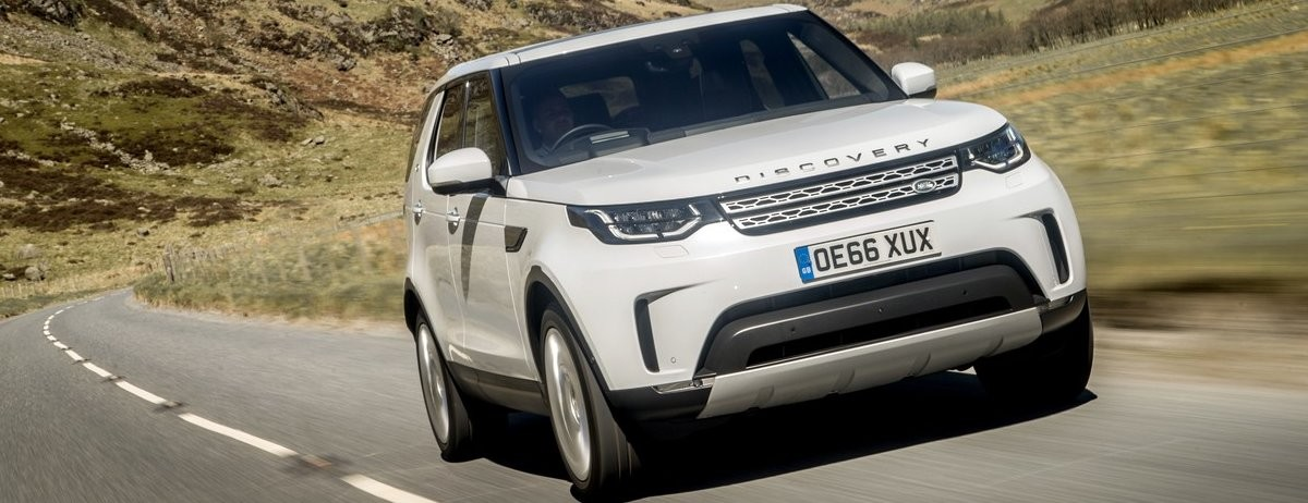 Auto Express Car of the Year – The New Land Rover Discovery