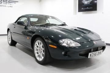 Jaguar XK R